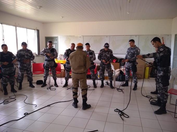 CORPO DE BOMBEIROS DE ITAITUBA MINISTRA TREINAMENTO DE RAPEL PARA MILITARES DO GTO.
