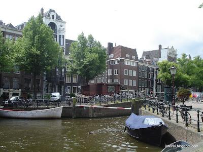 Парковка велосипедов в Амстердаме