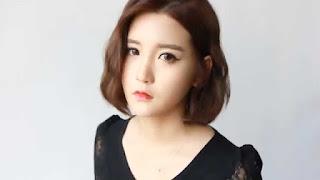 4 mẫu cài tóc cô dâu cho cô nàng tóc ngắn cá tính 3