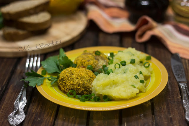 Meatballs with spinach and cheese
