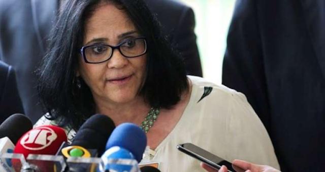 Damares Alves nega que deixará o governo