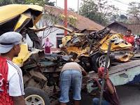 Ganti Nama WA Jadi 'Calon Mayat', Keturunan Ulama Ini Tewas Tertabrak Truk