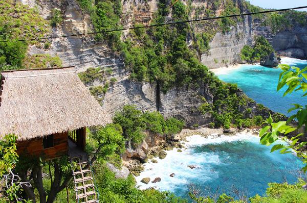 Tempat Wisata Terindah Paling Hits di Nusa Penida Rumah Pohon Batu Molenteng