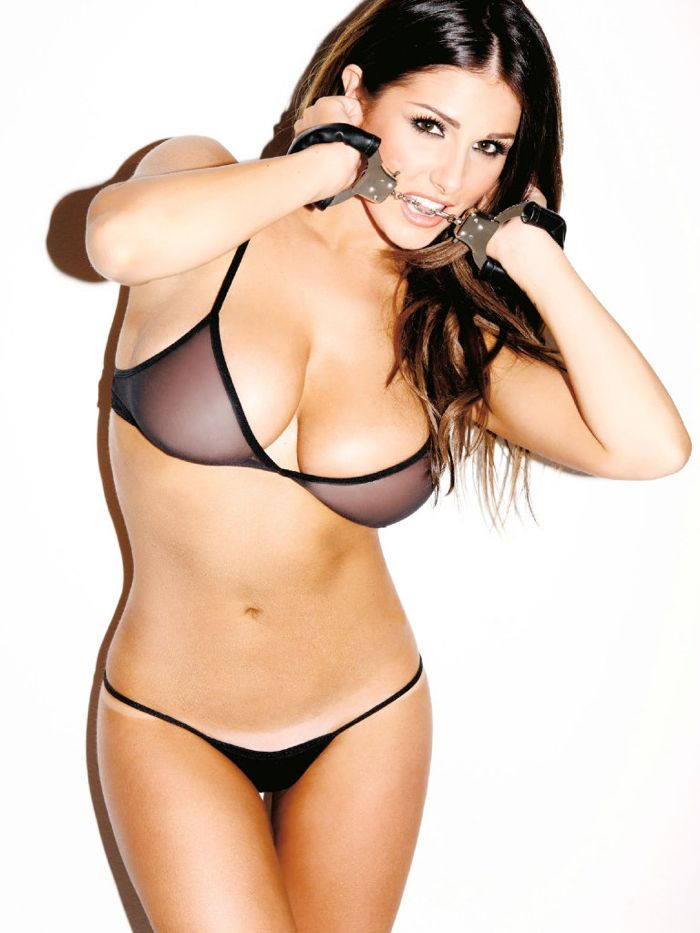 Lucy Pinder Hot 2015 Profile Pictures  Fb Display Picture-6889