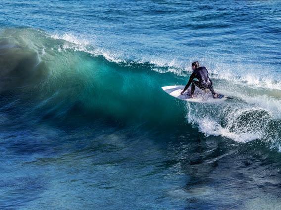 Surfing yang Benar dan Aman yang Sebaiknya Anda Perhatikan
