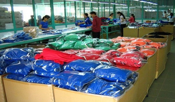 Apparel packing or packaging department
