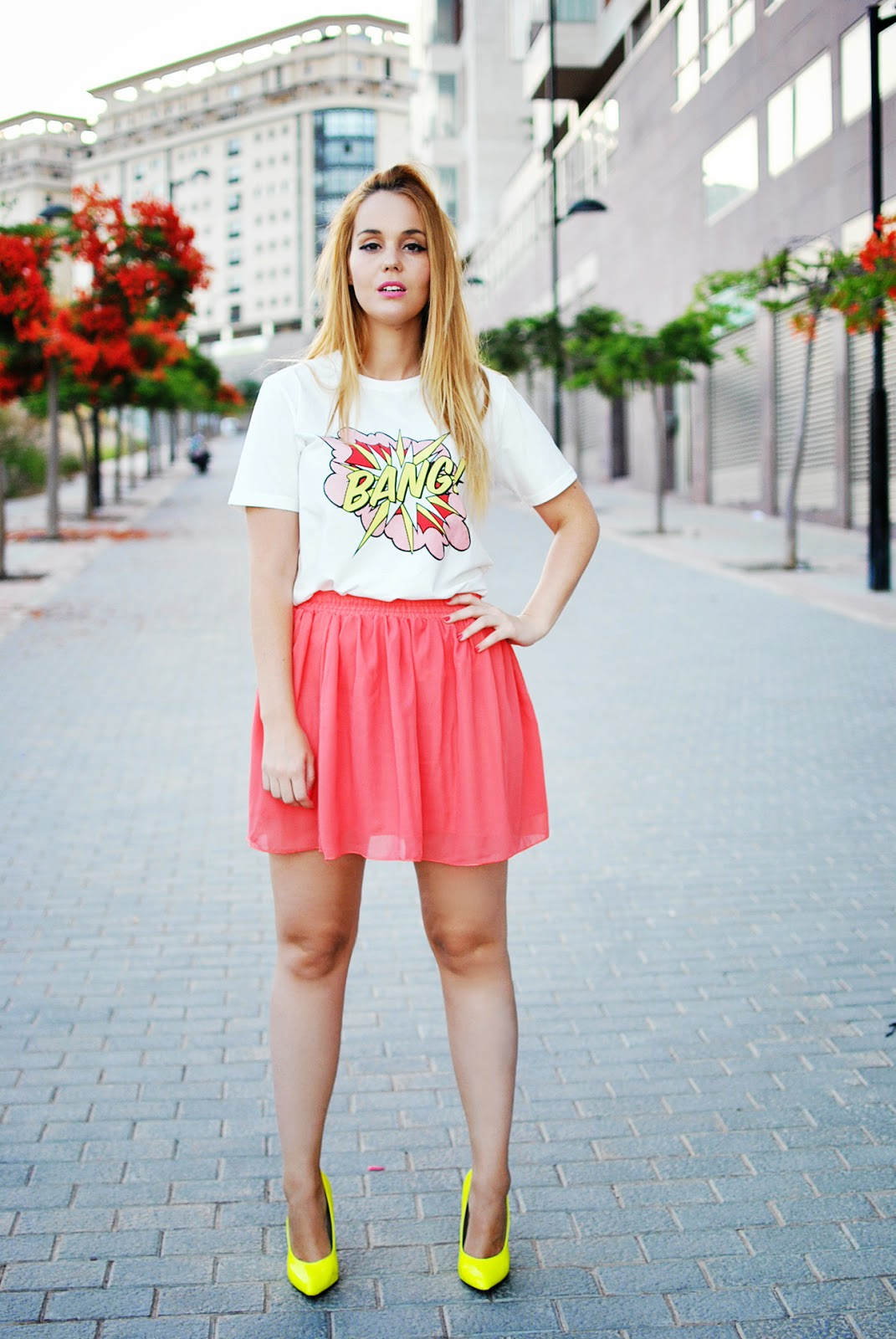 comic print, oasap skirt, front row shop, nery hdez, blonde , coral skirt, neon yellow