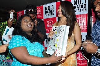 Actress Rakul Preet Singh Pictures at Sarrainodu Red Carpet Show  0026
