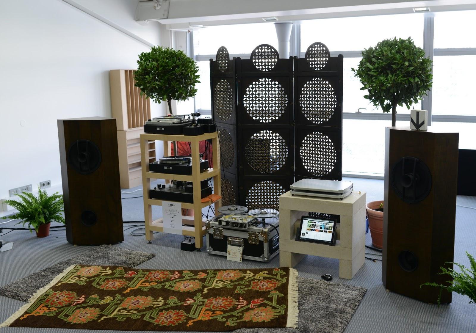 la magia del vinilo de nuevo swissonor en munich. Black Bedroom Furniture Sets. Home Design Ideas