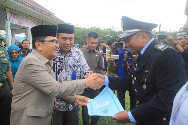 Hardiknas, Wali Kota Palopo Serahkan Penghargaan Kepada Pemenang O2SN