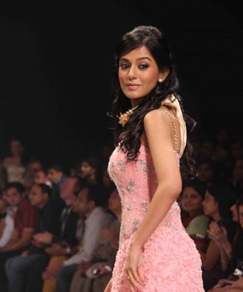 My Journey Amrita Rao New Cute Photo Gallery