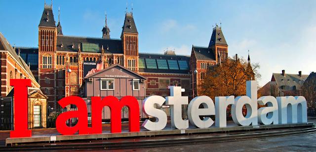 Letreiro I Amsterdam em Amsterdã
