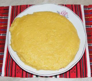 mamaliga, mamaliguta, malai fiert, mamaliga vartoasa, retete mamaliga, reteta mamaliga, retete culinare, preparate romanesti, bucataria romaneasca,