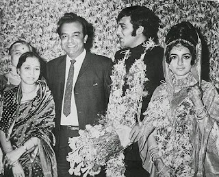 Vinod Khanna Family Wife Son Daughter Father Mother Marriage Photos Biography Profile