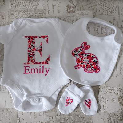 No Sew Fabric Applique  with Flock HTV Edging Onesie, Bib and Mitten Set