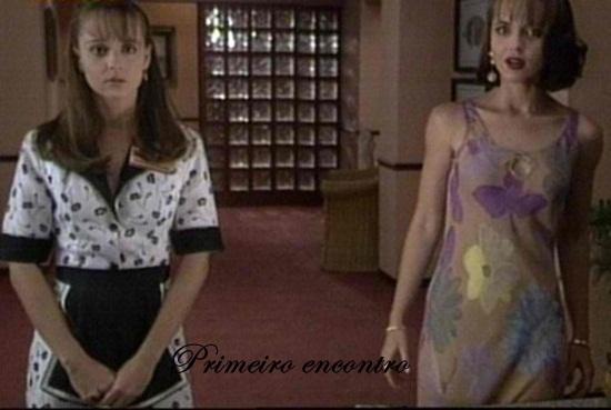 Paola se impressiona com semelhanças entre ela e Paulina