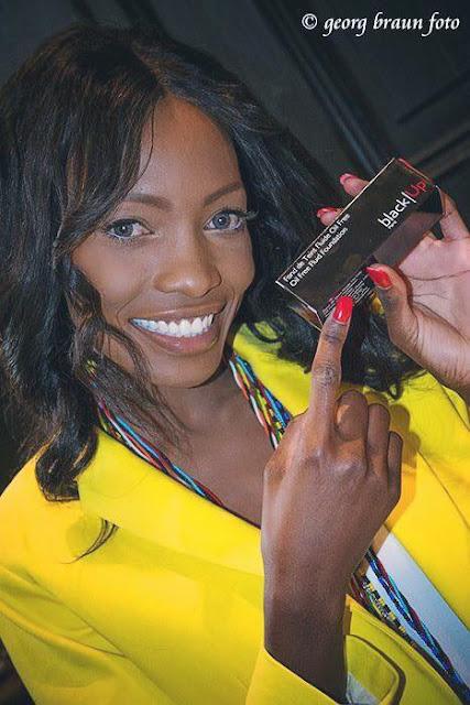 Model Brenda Severin für Black Up Makeup beim Blog Gewinnspiel in Muenchen
