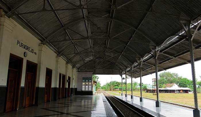 Stasiun Purworejo yang Sunyi