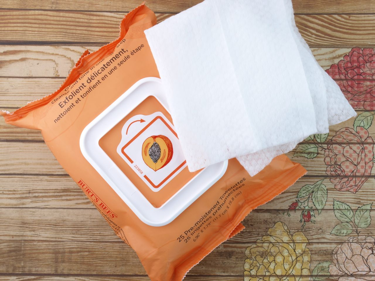 Facial Cleansing Towelettes - Peach & Willowbark Exfoliating by Burt's Bees #4