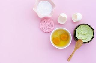 cara membuat masker lidah buaya untuk memutihkan wajah dalam satu minggu dengan putih telur