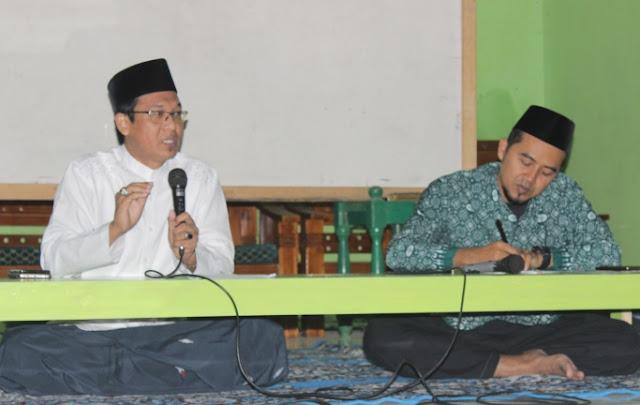 Kiai Ishomuddin: HTI Membungkus Misi Politik dengan Dakwah