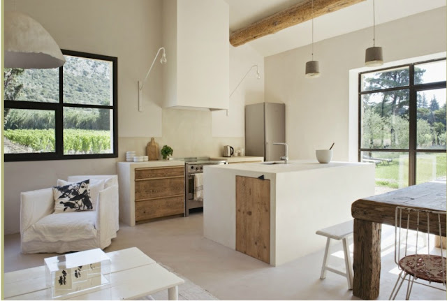 Decordemon renovation of a farmhouse in provence by for Decoration interieur mas provencal