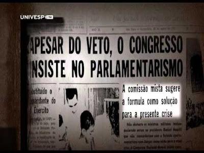 """Imagem mostra manchete de jornal antigo onde está escrito """"Apesar do veto, o Congresso insiste no parlamentarismo"""""""