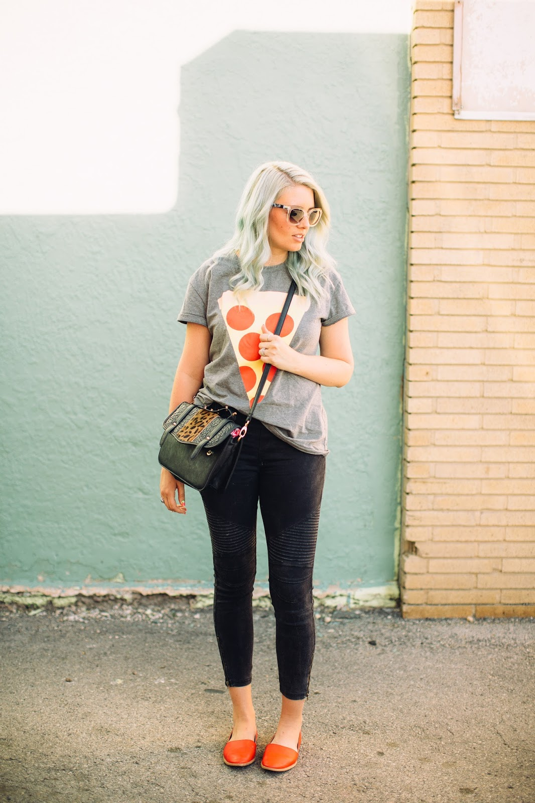 Utah Fashion blogger, Summer Outfit, Pizza Shirt