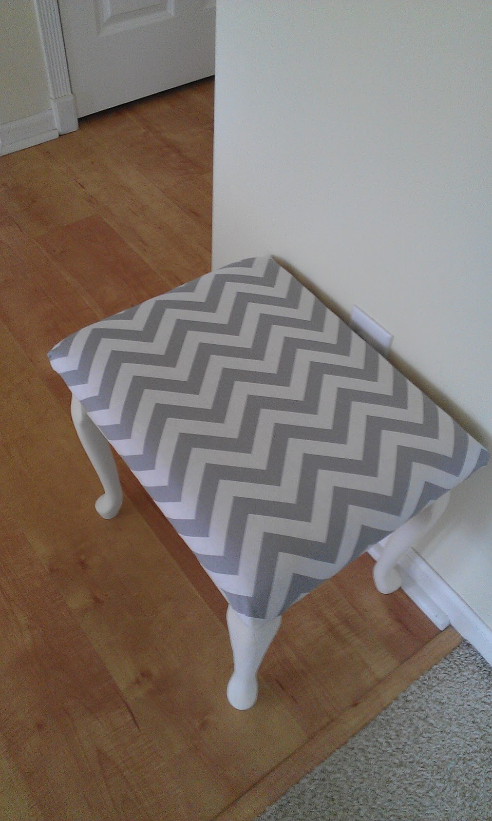 Fine Thrifty Treasures Chevron Vanity Bench Ibusinesslaw Wood Chair Design Ideas Ibusinesslaworg