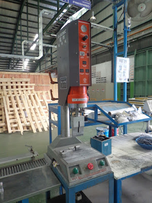 gambar Ultrasonic Welding Machine mesin las ultrasonik