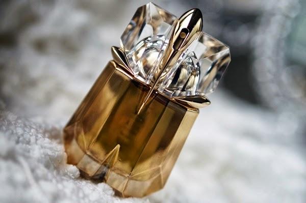 Thierry Mugler Alien Liqueur de Parfum review