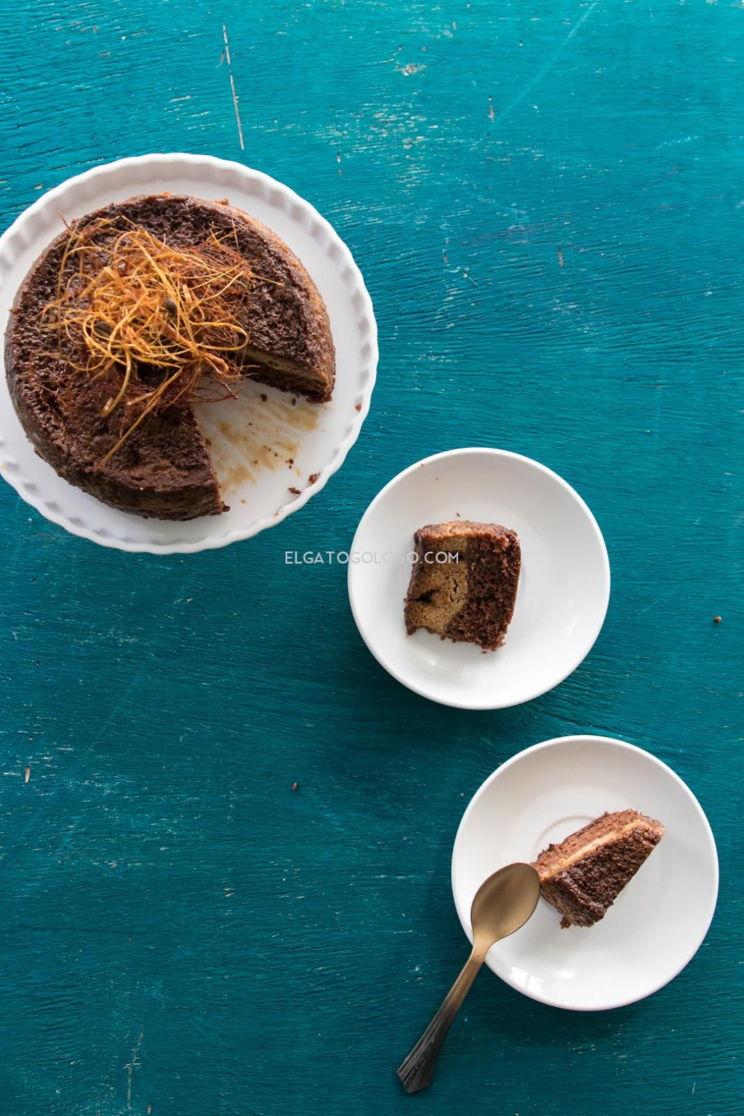 Torta-quesillo (chocoflan) de café vía www.elgatogoloso.com