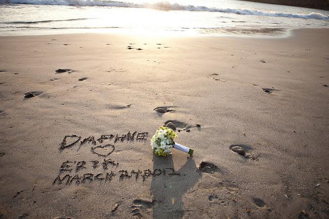 DIY beach destination wedding in Costa Rica   photos by Comfort Studios