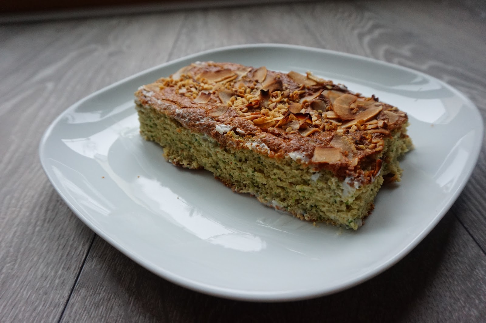 Very Low Sugar Cake Recipes: Recipe: Low Carb, No Sugar Courgette Cake