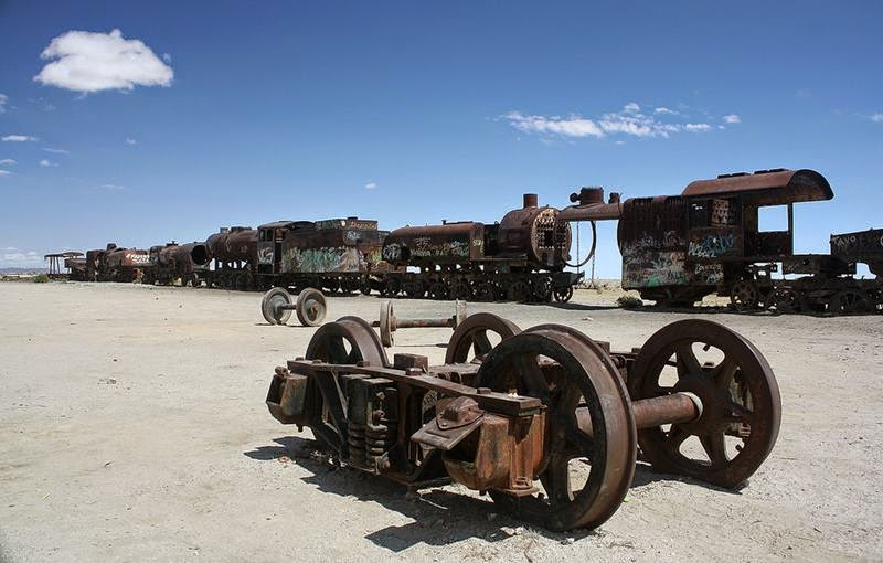 Cemetery locomotives in Bolivia