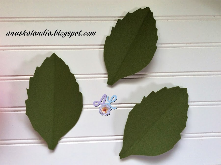 Rosa-gigante-en-goma-eva-o-foamy-21-hacer-doblez-hojas-Anuskalandia