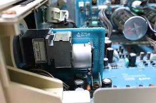 PM8001に搭載されているモーター付き大型ボリウム