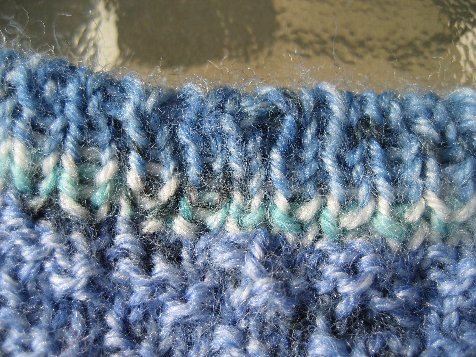 Carolyn Knits: What the Heck is the Kitchener Stitch Bind-Off?