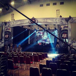 backdrop panggung jne