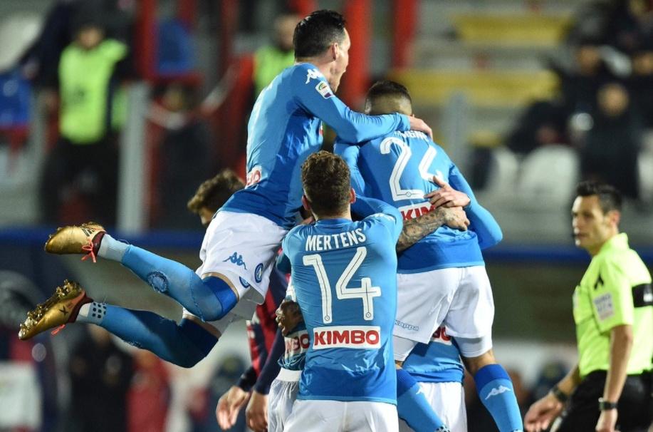 Anticipo Serie A, Crotone-Napoli risultato 0-1: con Hamsik azzurri Campioni d'Inverno