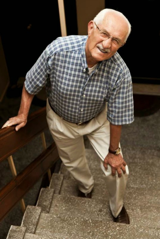 Tips Atasi Sakit Lutut Orang Tua