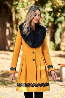 Palton accesorizat cu blana ecologica