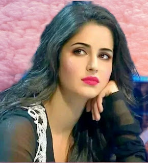 beautiful-lips-actress-katrina-kaif