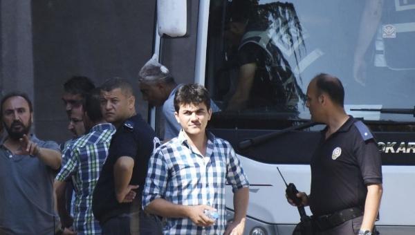 Despiden a 81 mil funcionarios públicos tras intentona en Turquía