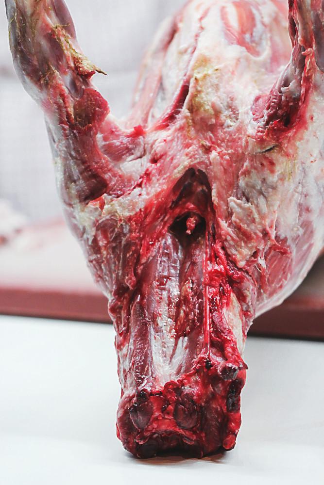 Geschlachtetes Lamm für's Asado im Spielweg | Arthurs Tochter kocht. von Astrid Paul. Der Blog für Food, Wine, Travel & Love