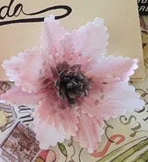 http://craftingeek.me/2014/10/flores-decorativas-de-papel-con-acuarelas/