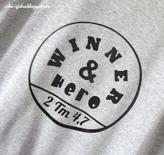 http://ucho-igielne.blogspot.com/2017/07/meski-t-shirt-z-grafika-winner.html