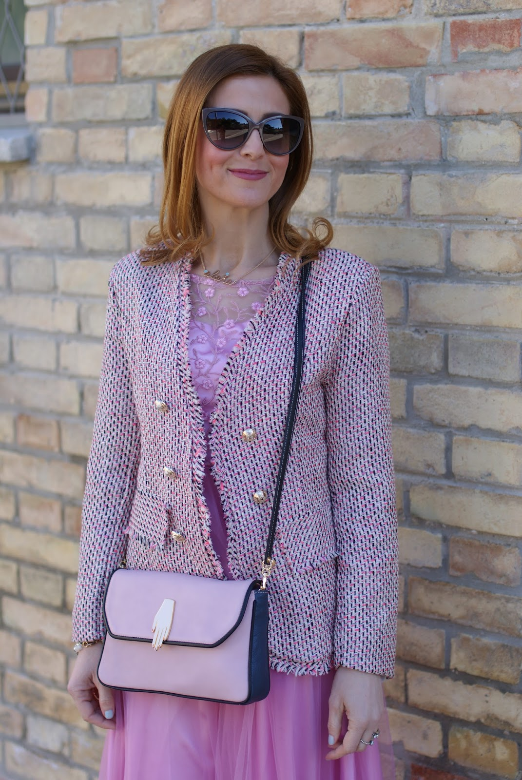 Chanel tweed inspired jacket, Mac Mehr lipstick and Pink midi tulle dress for a romantic outfit on Fashion and Cookies fashion blog, fashion blogger style