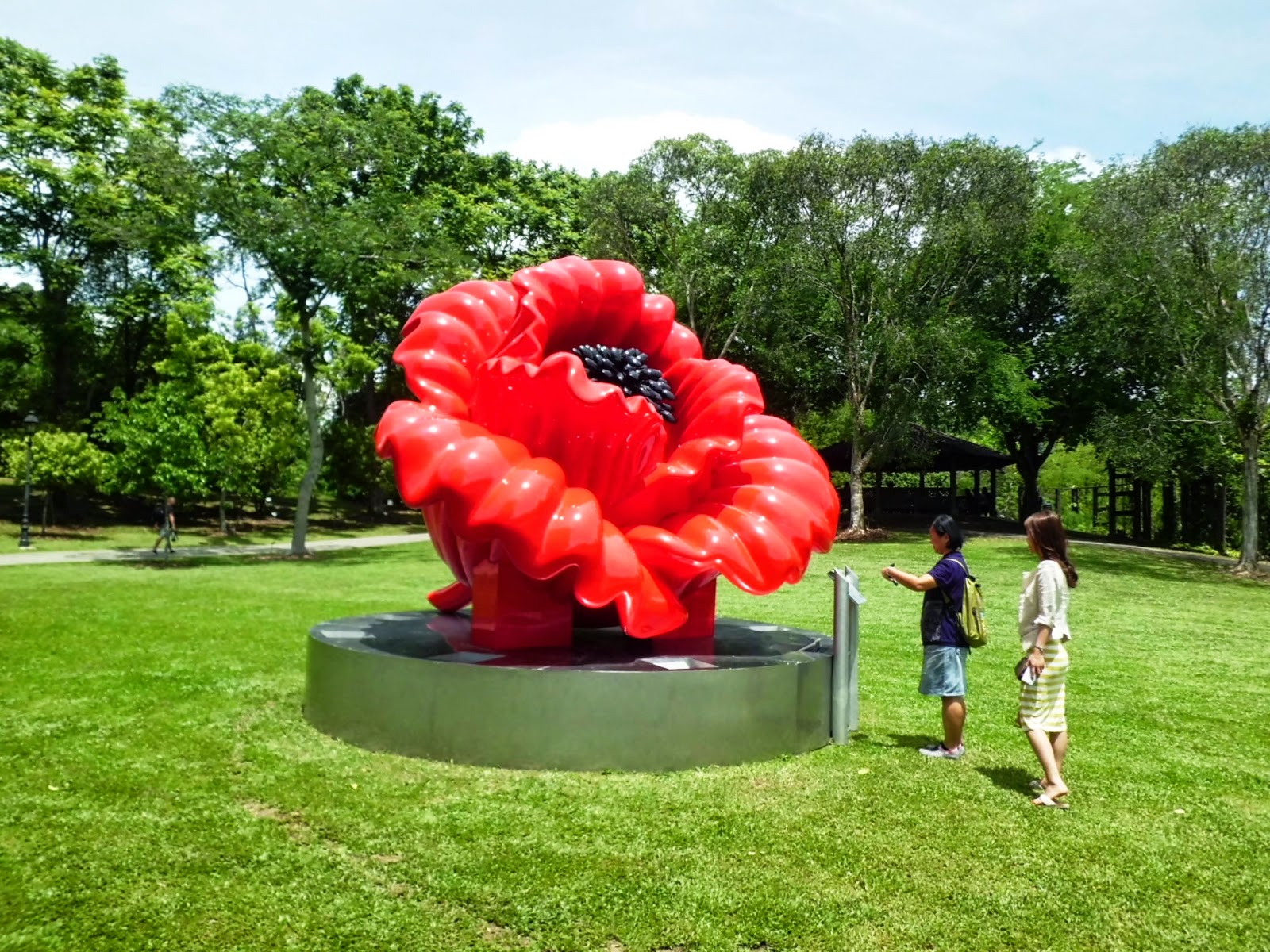 Singapore Botanic Gardens - Love and Peace Sculpture Campaign (05 May 2014 - 30 April 2015)
