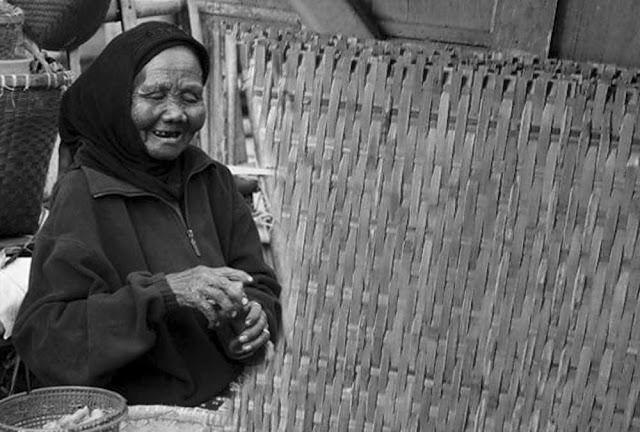 Kisah Nenek Penjual Tempe Yang Bakal Membuatmu Takjub
